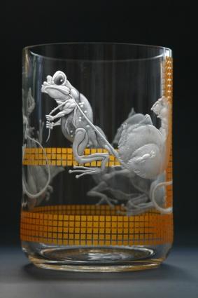 Žabomyší válka / negativní rytina doplněná barvou / 19 × 13,5 cm